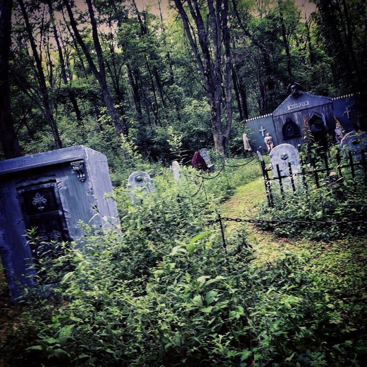 Spirit Halloween Hours Open
